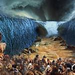 Moisés ergue o cajado em direção ao Mar Vermelho